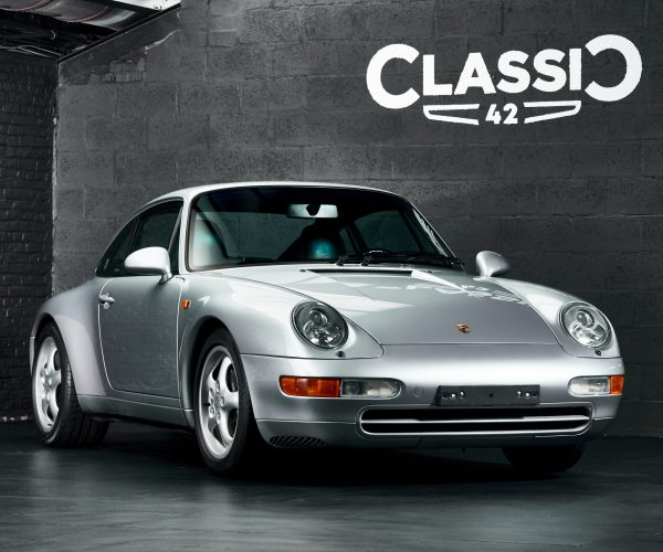 Photo d'une Porsche 993 grise de 1994 à vendre chez Classic 42 Classic German Car Dealer www.classic42.be