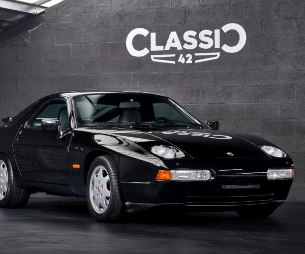 photo of a black 1991 Porsche 928 GT for sale by Classic 42 Classic German Car Dealer www.classic42.be