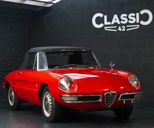 photos of an 1966 Convertible Red Alfa Romeo Duetto
