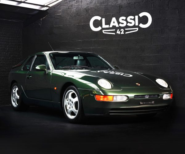 photo of a green 1994 Porsche 968 for sale by Classic 42 Classic German Car Dealer www.classic42.be