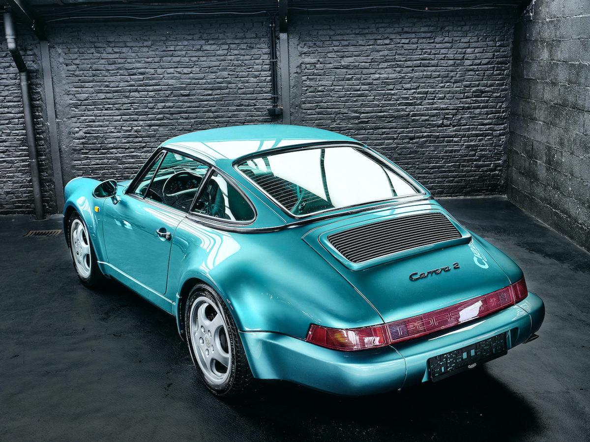 photo d'une Porsche 964 Carrera 2 Cabriolet Turbo Look de 1992 en vente chez Classic 42 | Spécialiste Porsche Classique en Belgique