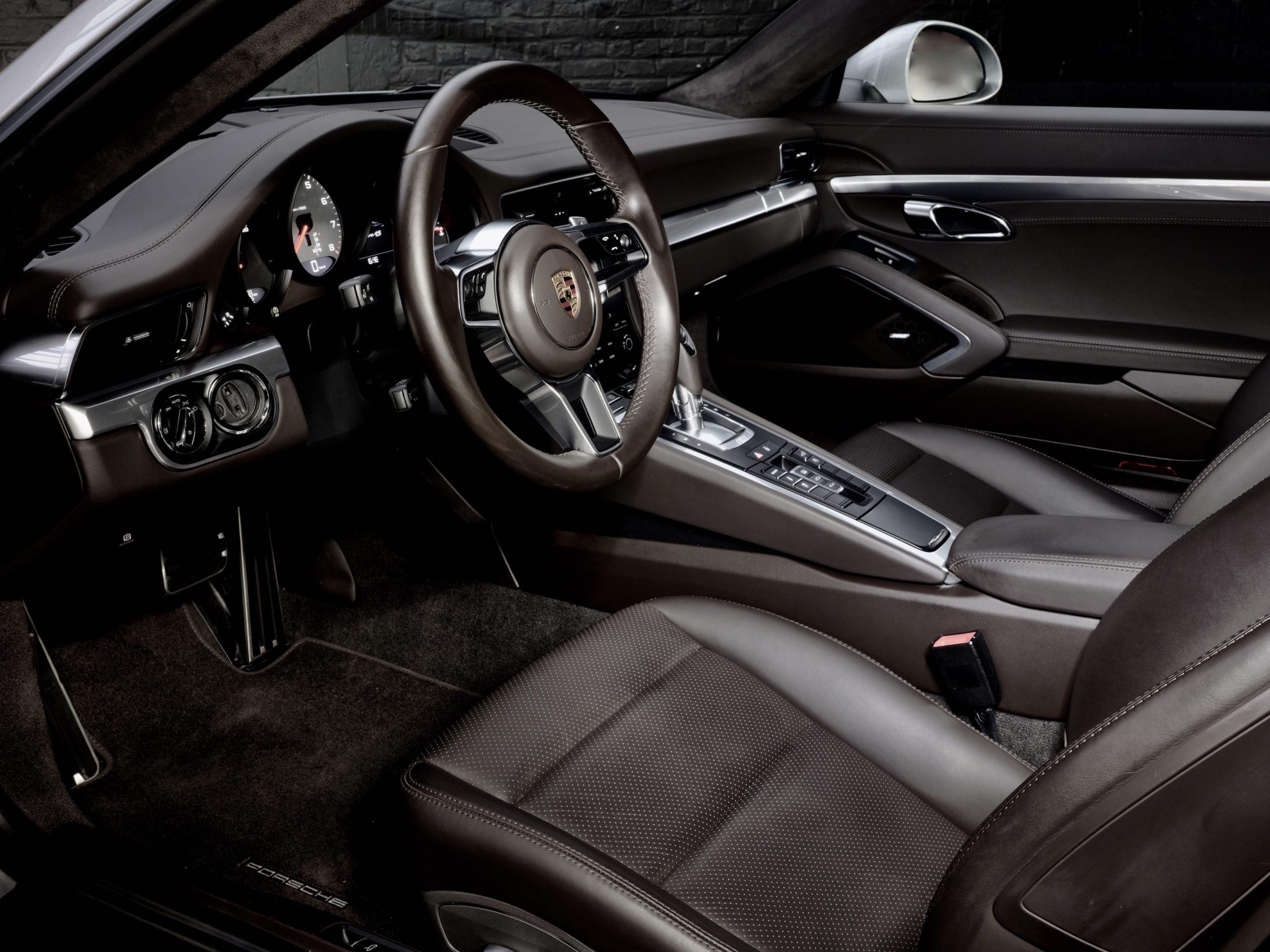 photo d'une porsche 991 4S de 2017 occasion en vente chez Classic 42 | Classic Cars and Classic Porsches Belgique
